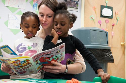 kids_reading_1011121